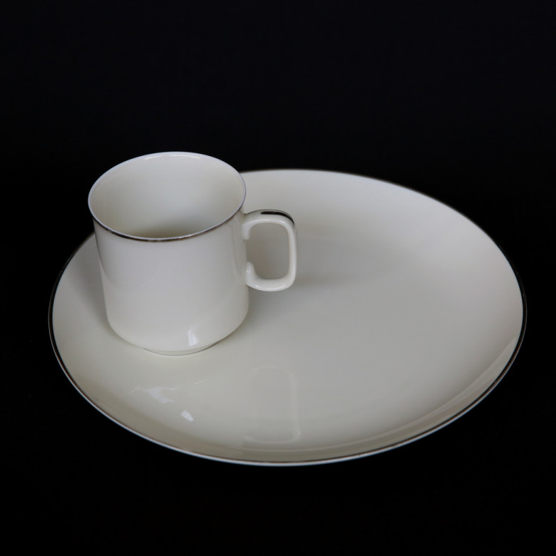 platinum band rental snack plate with cup