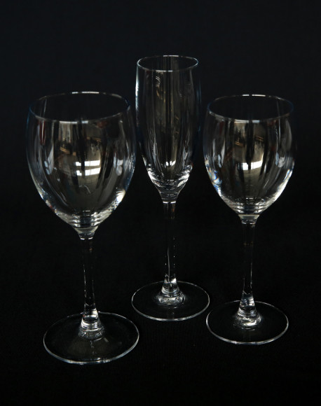 signature group rental glass