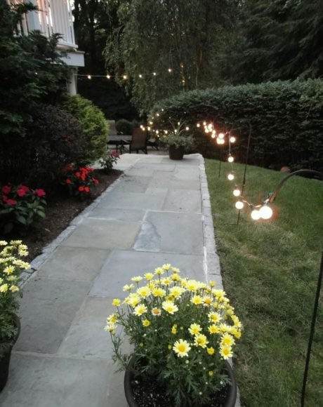 Shepherd hook pathway lighting