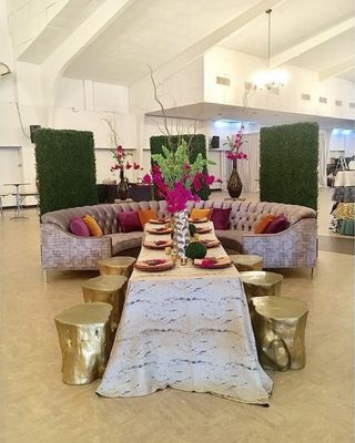 boxwood backdrop rental with banquet